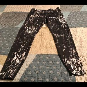 Beyond Yoga black&white Leggings XL Stitch Fix